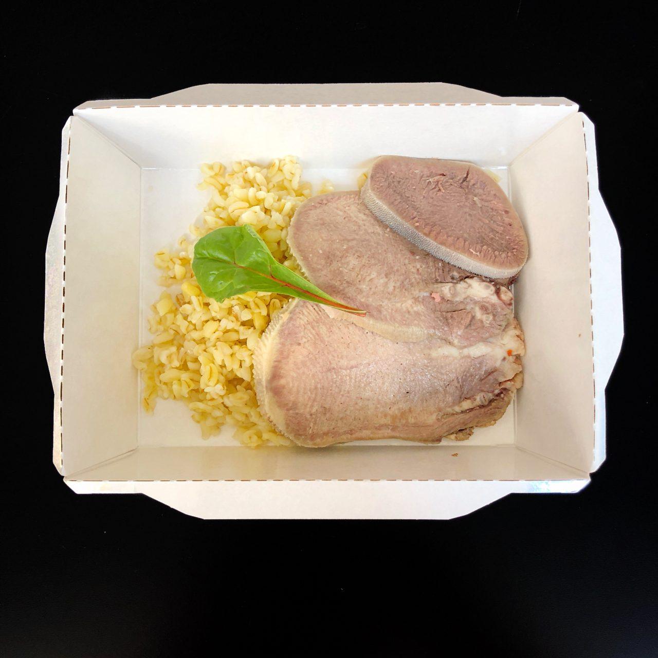Свиной язык с булгуром с медово-горчичным соусом