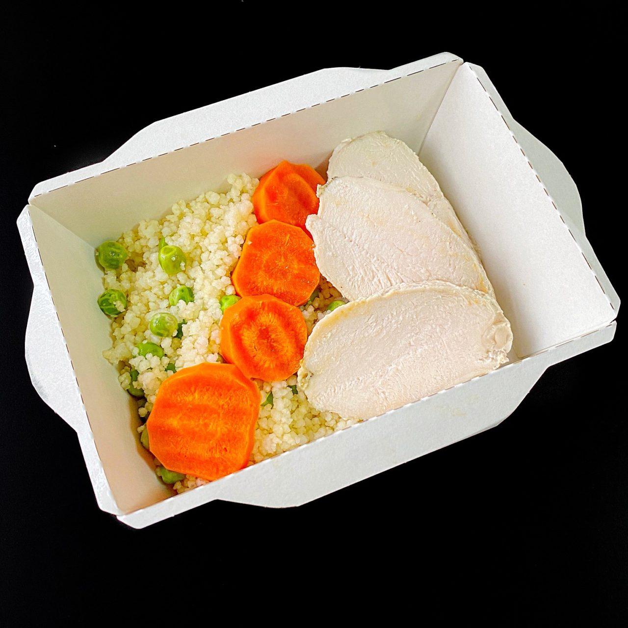 Кус-кус с овощами и куриным филе