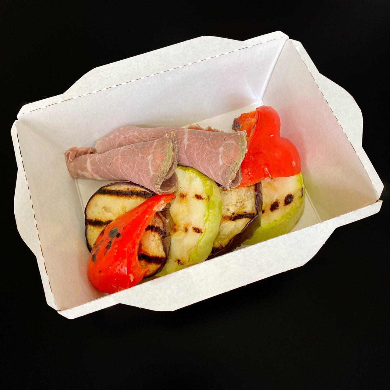 Ростбиф с подпеченными овощами