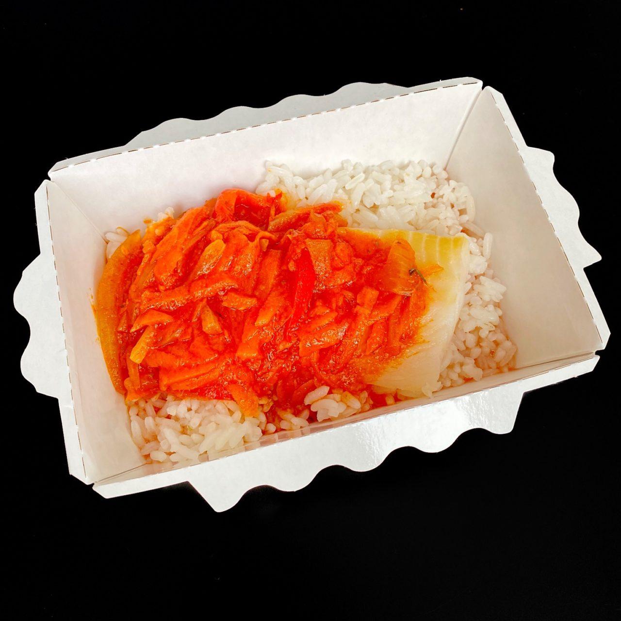 Рыба под овощным маринадом с рисом